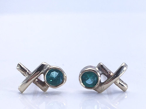 9ct Yellow Gold Kiss Hug studs with emeralds