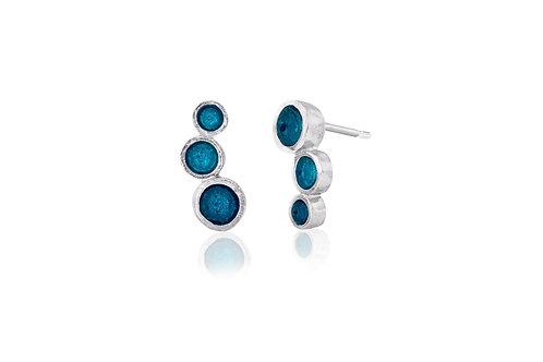 Triple dot enamel studs in light turquoise