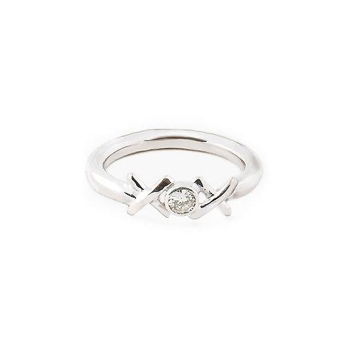 Sterling silver Kiss Hug Kiss ring with diamond