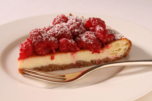 Cheese cake with raspberries