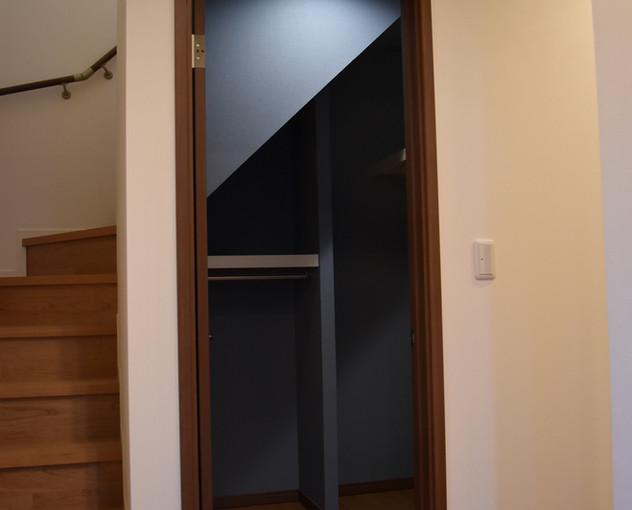 階段下収納.JPG