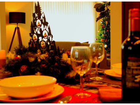 クリスマスの飾りつけを行いました。