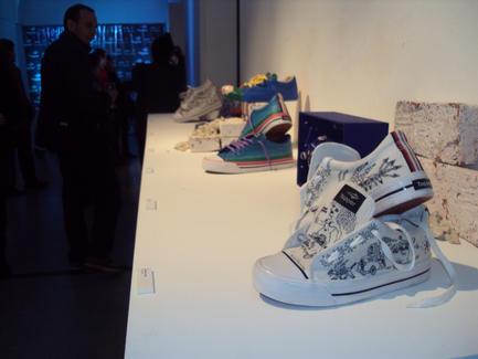 Arte sin Techo, zapatillas intervenidas.