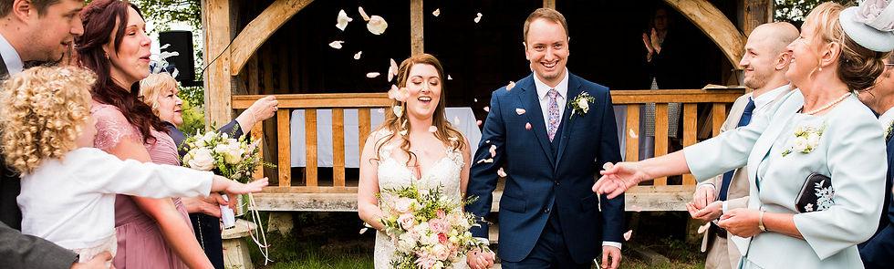happy-wedding-couple-gildings.jpg