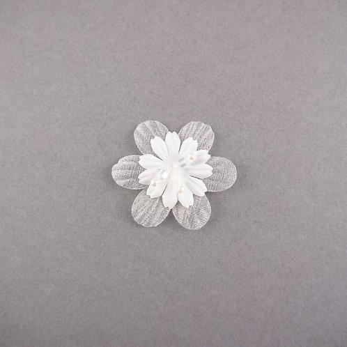 Bestickte Blüte mit Kristallen & Perlen zum Aufnähen, ivory