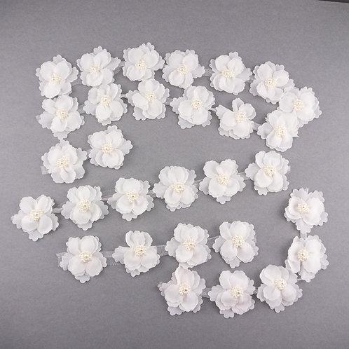30 Blüten aus Chiffon und Tüll mit Perlen, B-Ware