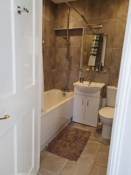 Family bathroom ensuite