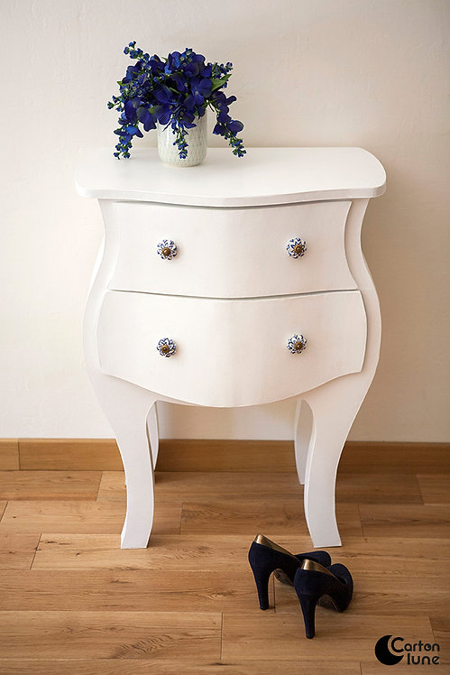 "Commode ""Madame"""
