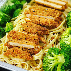 Crispy Chix Alfredo w/ Broccoli
