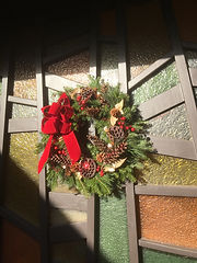 Wreath stained glass.JPG