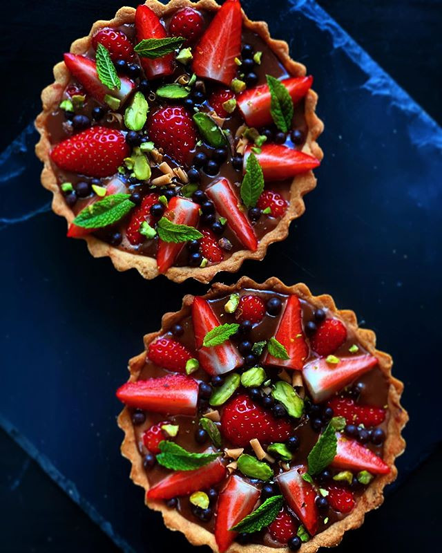 Hey and dessert today's,strawberry choco