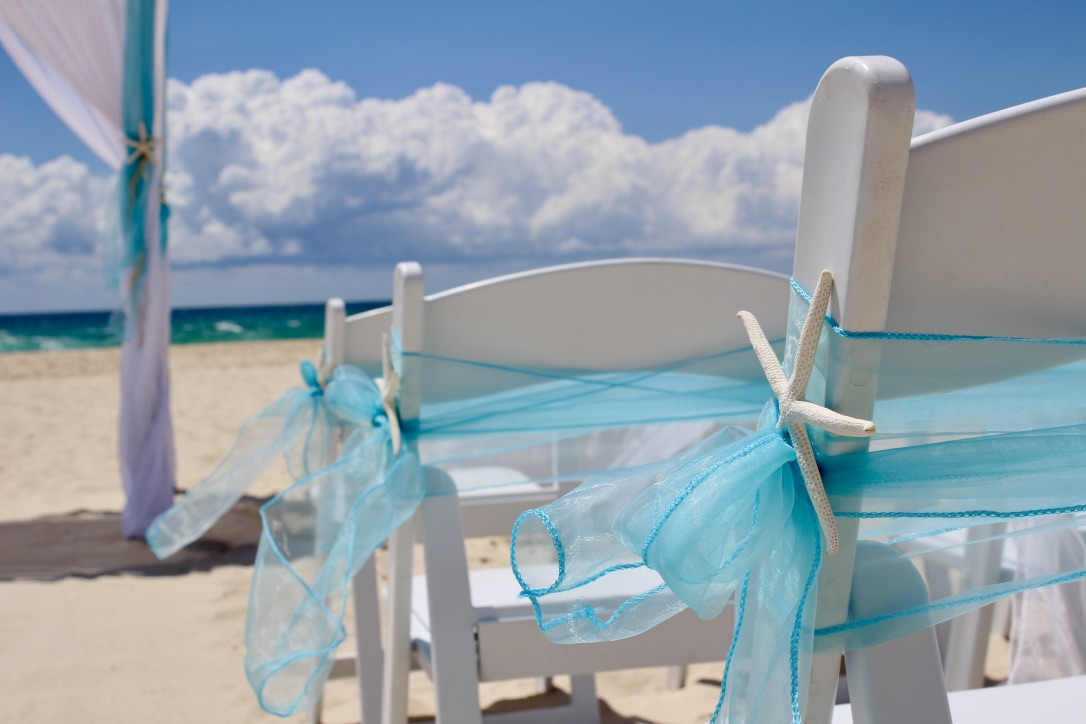 aqua_blue_beach_wedding.jpg