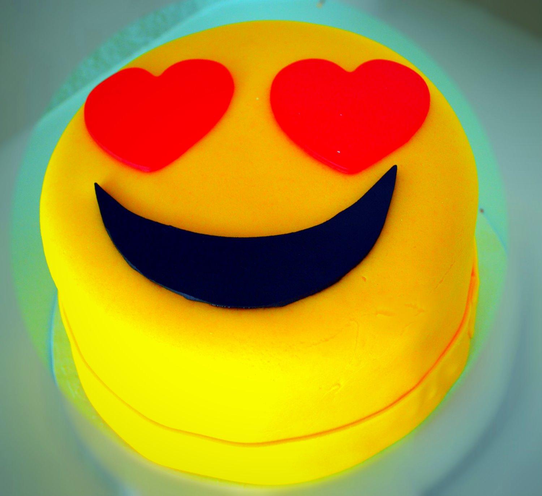 Emoji Smash Cake