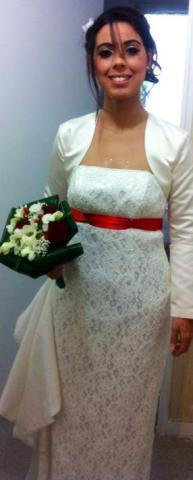 Robe de mariée droite dentelle