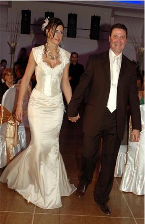 Robe de mariée droite et corset soie