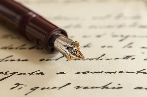 Poet-pen.jpg