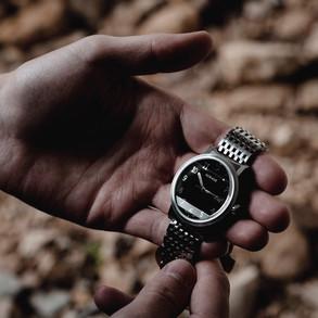 Omnium Black Dial-3.jpg