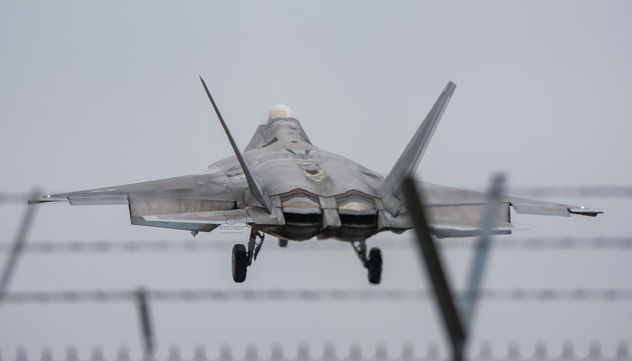 F22 Raptor Lakenheath Landing