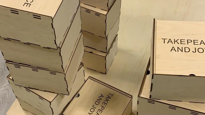Деревяная коробка