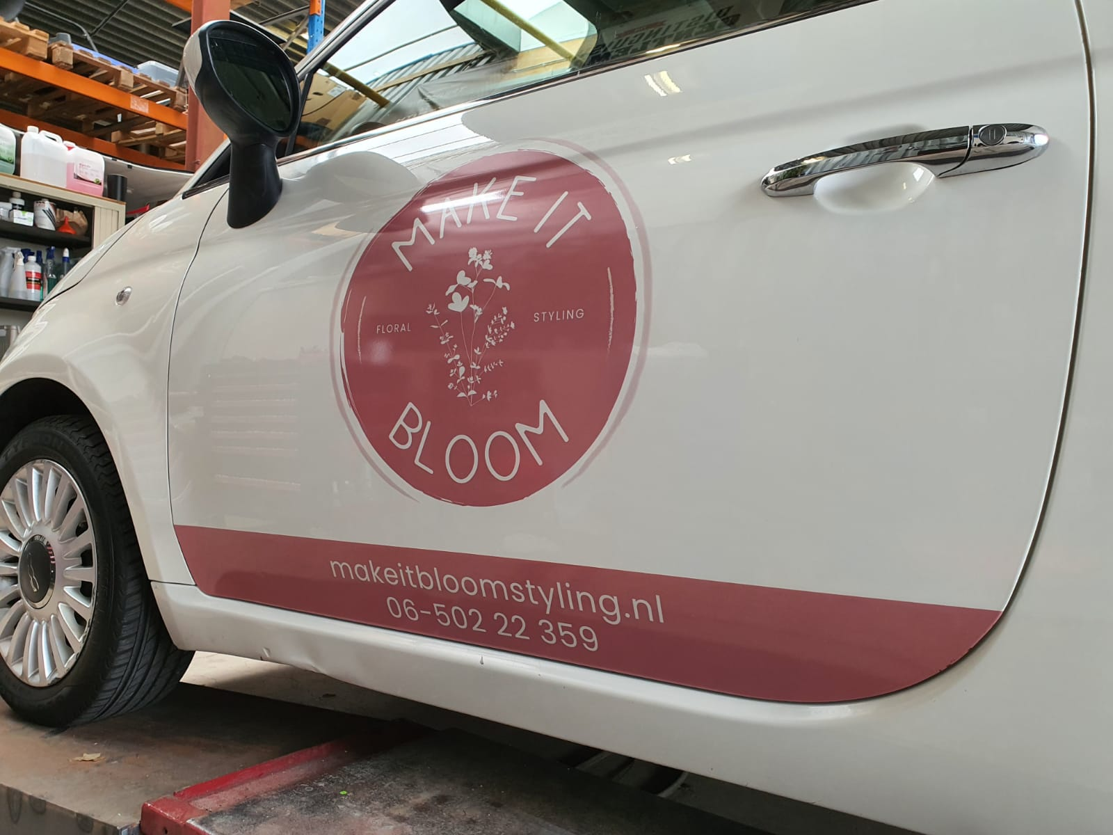Fiat 500 belettering voor Make it Bloom