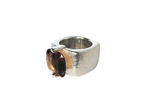 AN8590B-Q-FU-Rhodium & Smoky Quartz 14mm  Sqrd-Band Ring