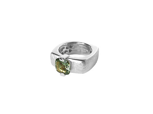 AN8593B-Q-VE-Rhodium & Green Quartz  8mm  Sqrd-Band Ring