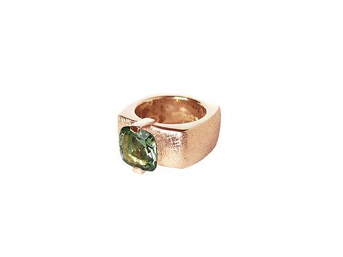 AN8592R-Q-VE-Golden Rose & Green Quartz 10mm  Sqrd-Band Ring