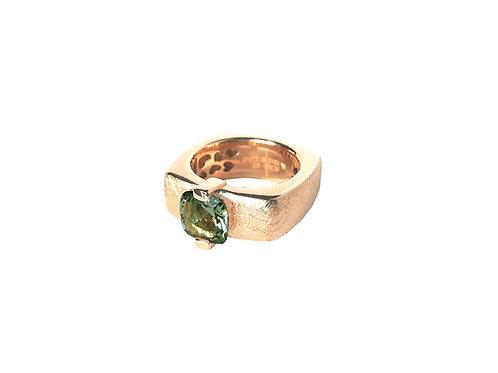 AN8593R-Q-VE-Golden Rose & Green Quartz  8mm  Sqrd-Band Ring