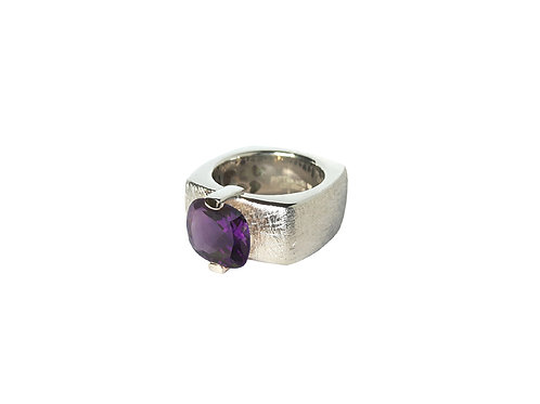 AN8592B-Q-VI-Rhodium & Violet Quartz 10mm  Sqrd-Band Ring