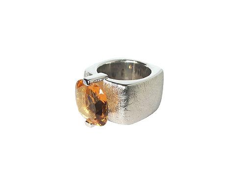 AN8590B-Q-CO-Rhodium & Cognac Quartz 14mm  Sqrd-Band Ring