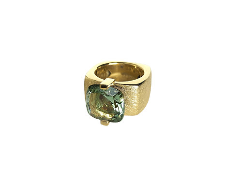 AN8591G-Q-VE-Gold & Green Quartz 12mm  Sqrd-Band Ring