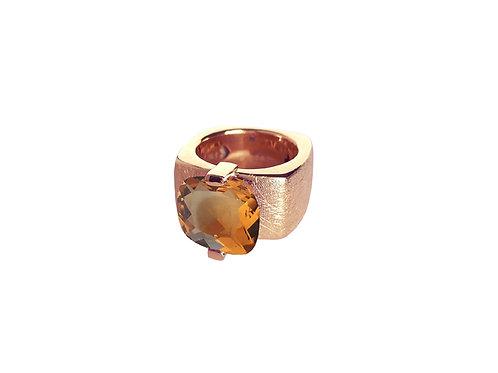 AN8591R-Q-CO-Golden Rose & Cognac Quartz 12mm  Sqrd-Band Ring