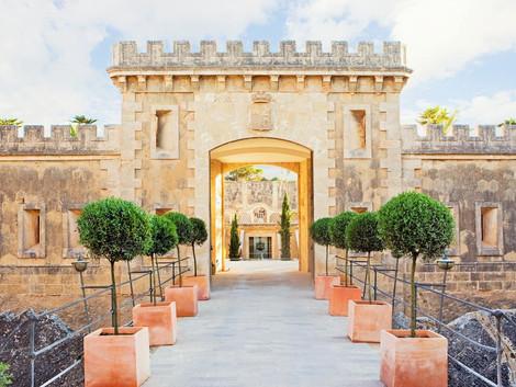 20 hoteles curiosos y con encanto en España ¡Haz una escapada!