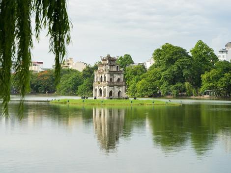 El lago Hoan Kiem y el templo de Ngoc Son (Hanoi)
