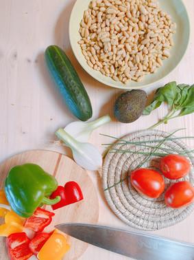 Ensalada vegana de judías blancas y aguacate