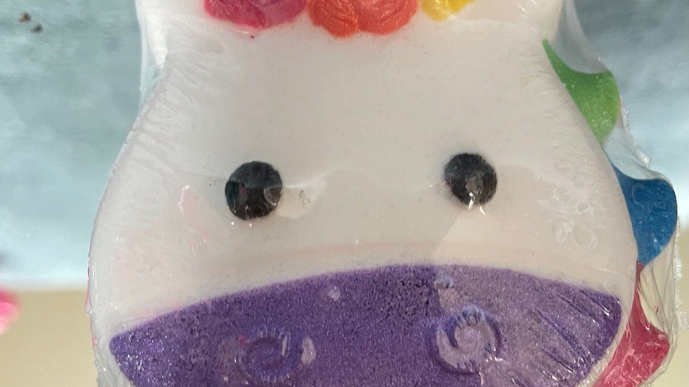 Magical unicorn bath bomb