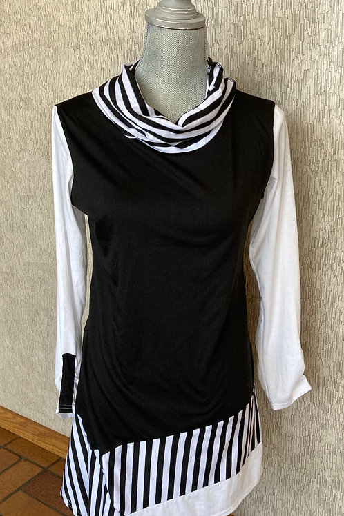 Black and White Tunic Top
