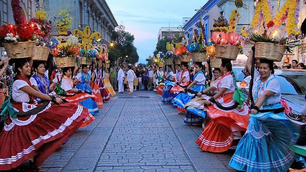 Fiesta en  las calles de Oaxaca