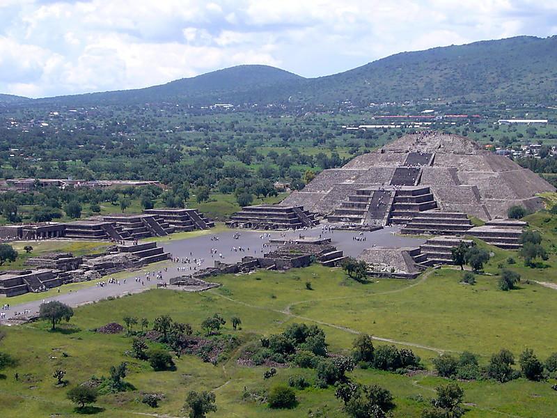Teotihuacán - Pirámide de la Luna