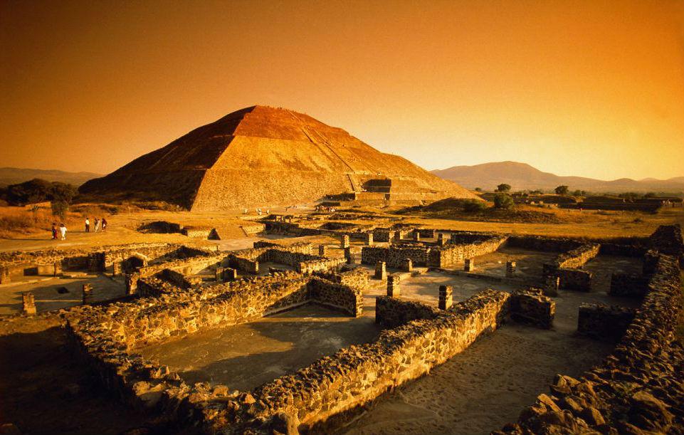 Teotihuacán - Pirámide del Sol