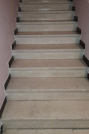 nettoyage-escalier-marseille-avant.jpg.j