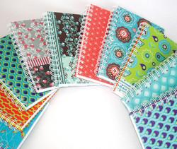 cadernos com padronagem