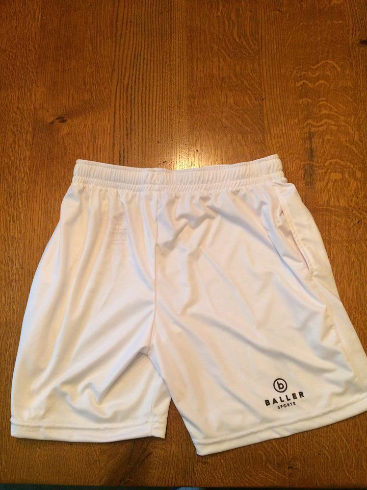 Shorts_white reverse