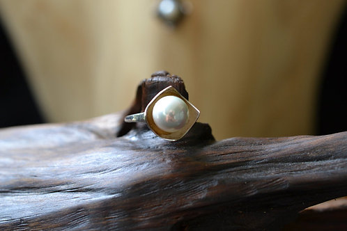 Square Ring with White Pearl in Sterling Silver