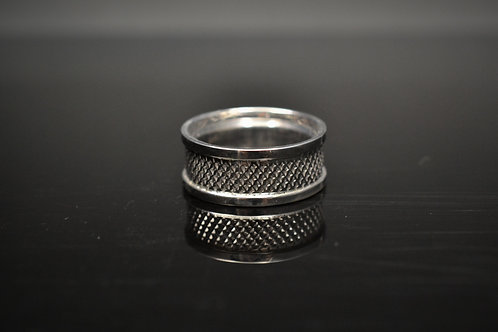 Houndstooth Textured Band in Gold