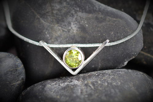 Floating V Pendant with Peridot in Sterling Silver