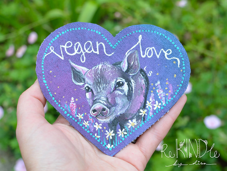Hand Painted Vegan Pig Sew On Patch 'Vegan Love'