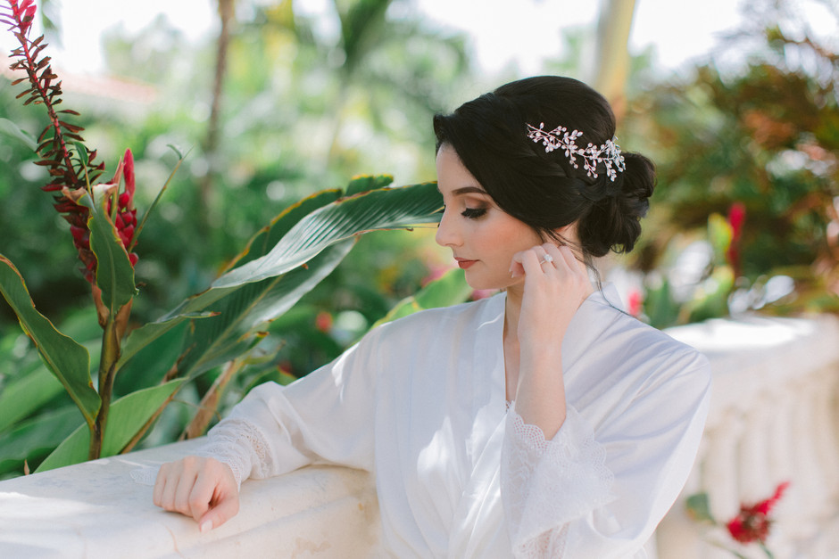 10 Romantic Wedding Hairstyles