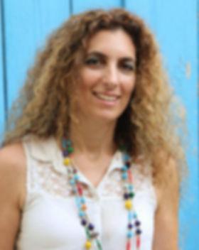 ענבר בן צבי מעצבת סביבת שייכות צילום רותם ארבסט