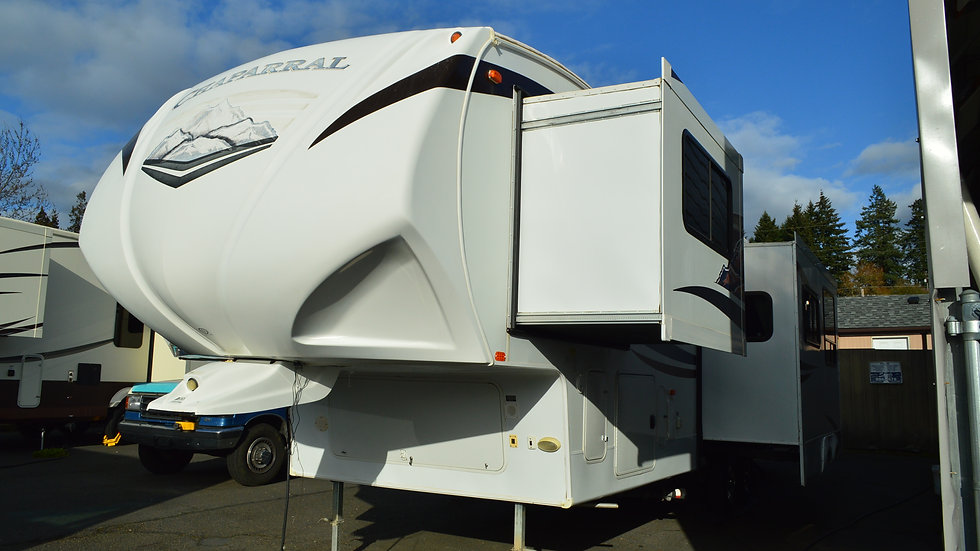2012 Chaparral 330FBH 37ft. 5th Wheel 3 Slides